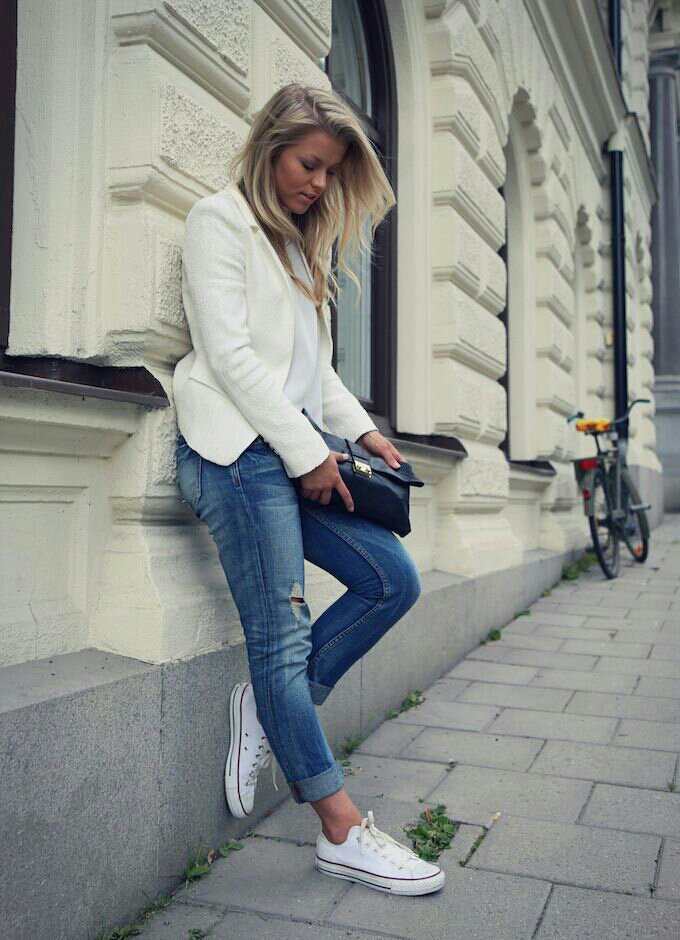 Blonde girl in blue converse #9